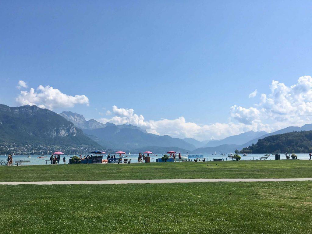 annecy-lake-mountains-tournette-rental-holidays